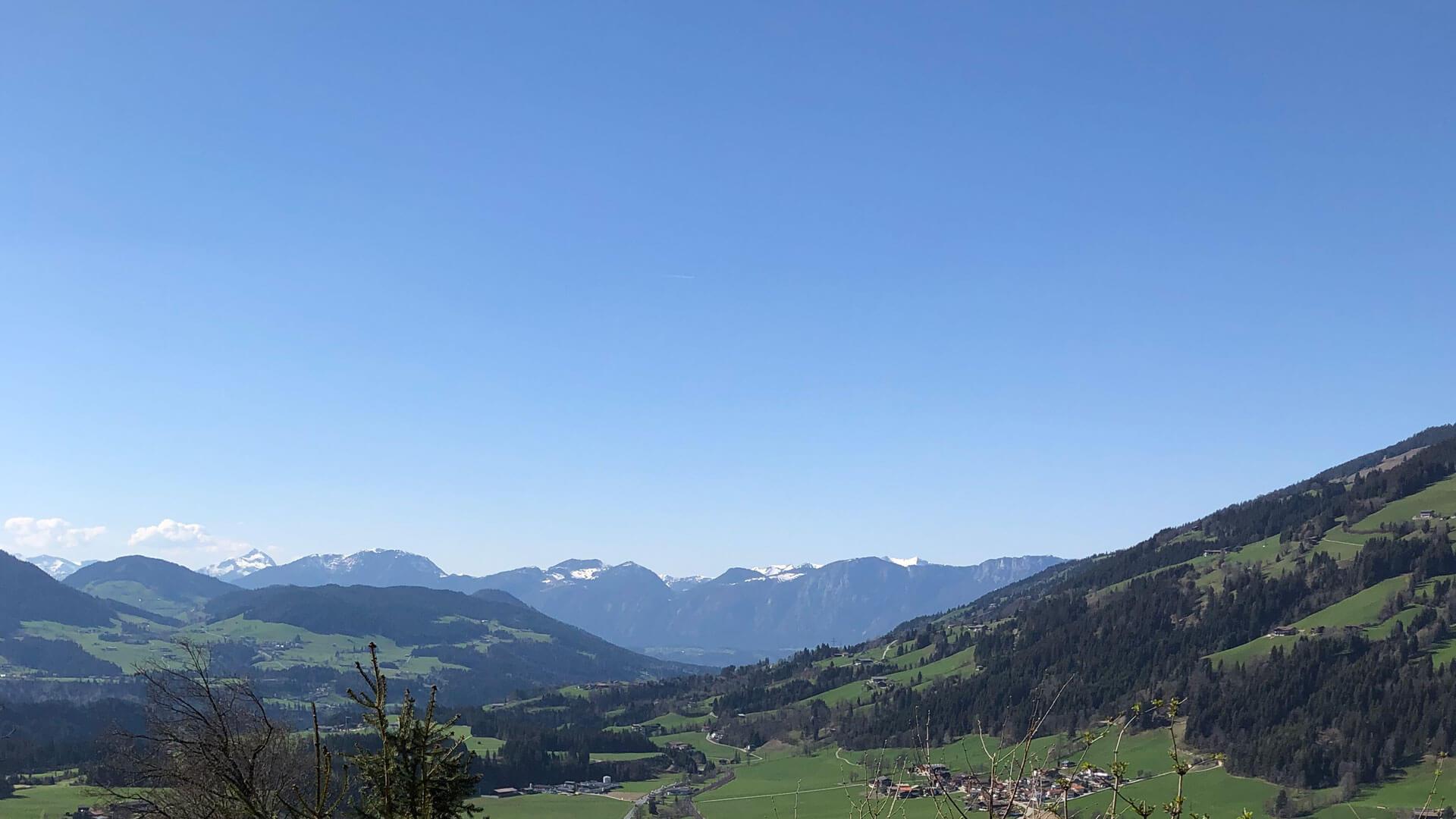 Aussicht vom Balkon, von der Almlodge Westendorf